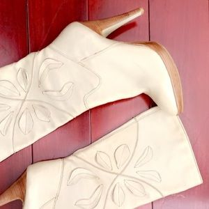 Luichiny❤️Sexy Tall Boots w Leaf Design on Sides